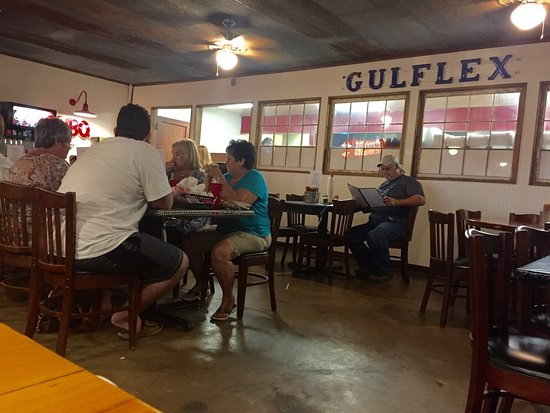 McGehee, AR: Popular place with good food