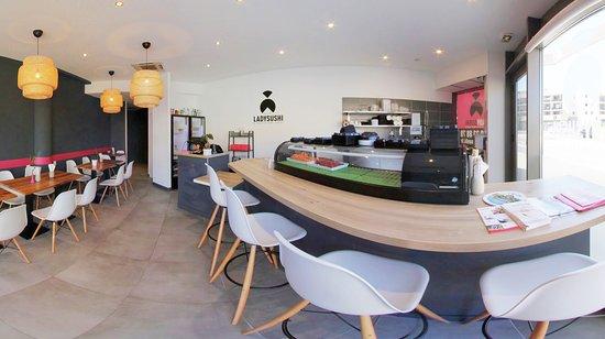 Castelnau-le-Lez, Francia: Notre bar à dégustation
