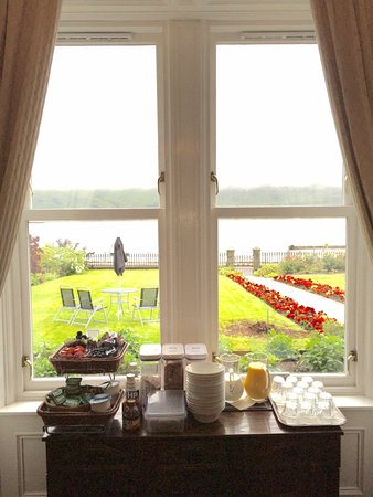 Fassfern Guesthouse: The view from the breakfast room