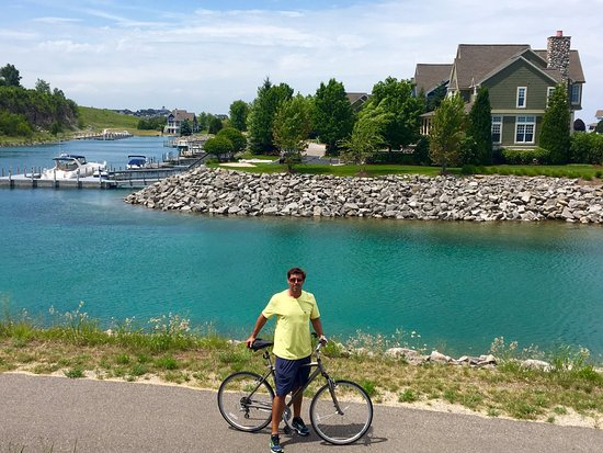 Petoskey, Мичиган: Bay Harbor