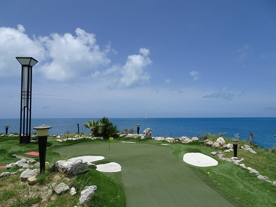 "Sandys Parish, Bermuda: Fun Golf -- complete with ""sand"" traps!"
