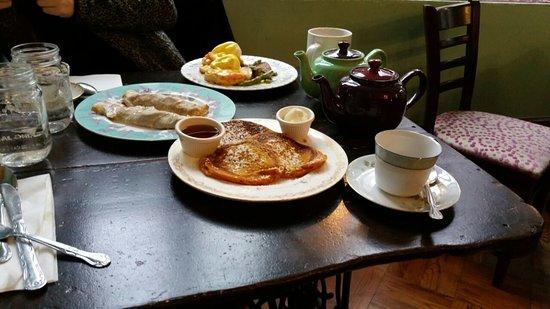 Alice's Tea Cup Chapter III : Breakfast