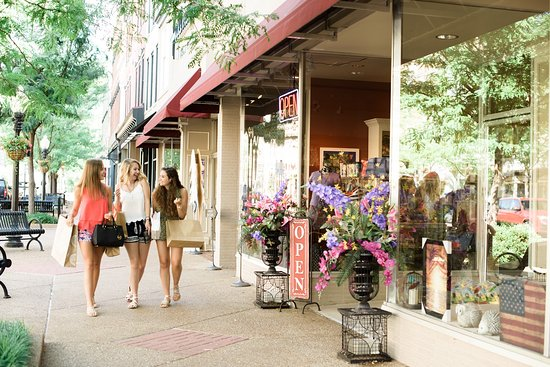 Shopping in Downtown Jefferson City