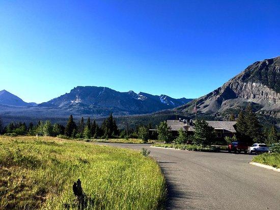 East Glacier Park, MT: Rising Sun Motor Inn & Cabins had beautiful views right outside my door!