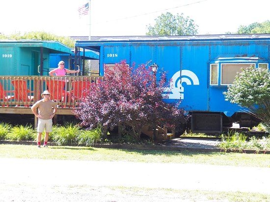 Caboose Motel Photo