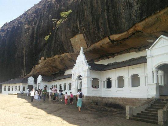Dambulla, Sri Lanka: IMG_20160726_100323_large.jpg