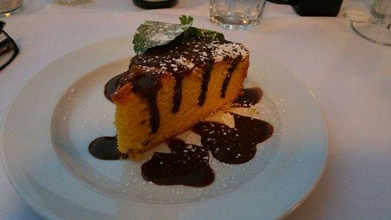 Warmer Kuchen Mit Schokolade Picture Of Villa Pioppi Ristorante