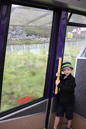 Эвимор, UK: On the funicular (without annoying snowboarders)