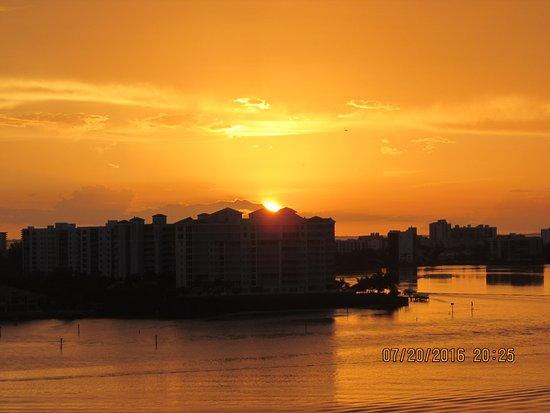Lovers Key Resort: The same sunset