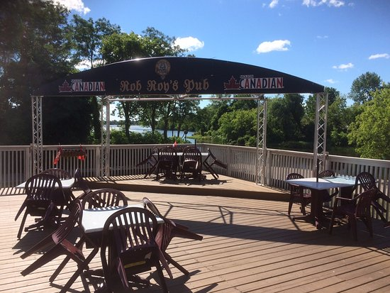 Smiths Falls, Canada: Waterfront Patio