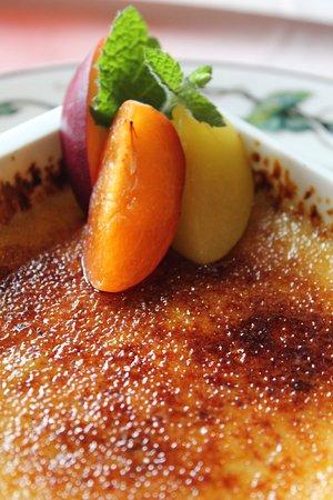 Cahors, France: crème brûlée