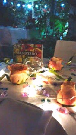 Muy Linda La Decoracion Para Cena Romantica Picture Of Platillos - Cena-romantica-decoracion