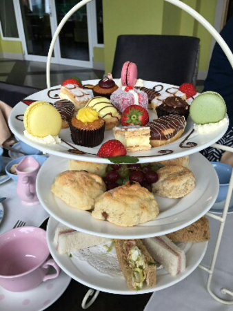 Killyhevlin Lakeside Hotel & Chalets: Afternoon tea