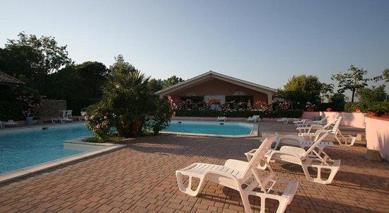 Camping Il Gineprino: piscina