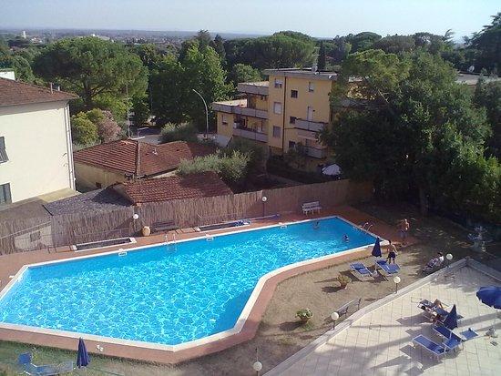 Europa hotel montecatini terme italie voir les tarifs - Piscine termali montecatini ...