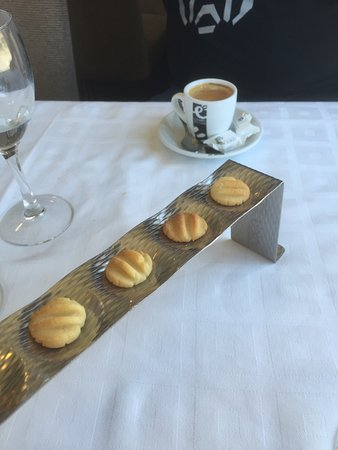 Senegüé, España: These little shortbread biscuits came on the house with our coffee.