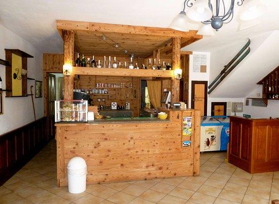 Rima San Giuseppe, Italien: Ingresso con banco bar