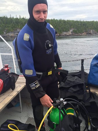 Divers Den : Preparing for my boat dive on the Niagara II (100 ft)