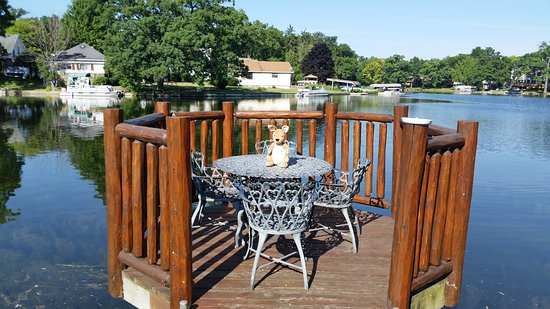 Clarkston, MI: Beautiful dock off of the back porch.