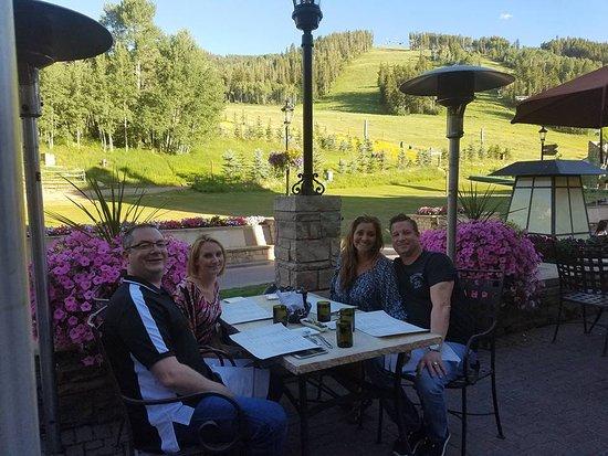 Avon, CO: Dinner at Mountainside 8100 bar & grill