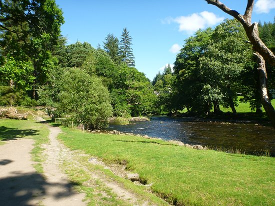 Betws-y-Coed, UK: Lovely walk by the river