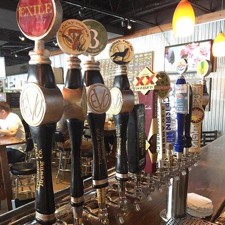 Σάλισμπερι, Μέριλαντ: Extensive selection of craft beer on tap!