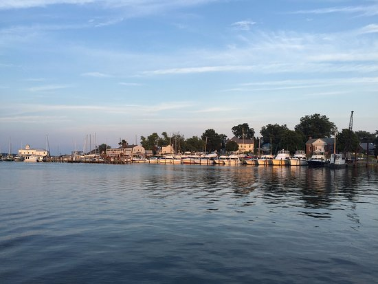 Solomons, MD: View from the restaurant pier to the right