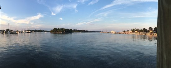 Solomons, MD: Panorama from the end of the restaurant pier