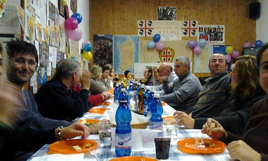 Oulx, Italy: cena con amici