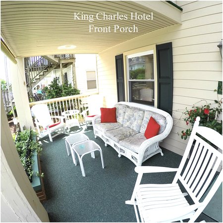 King Charles Hotel: Front Porch
