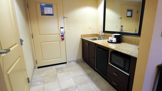 Pikeville, KY : Room 401; kitchen area