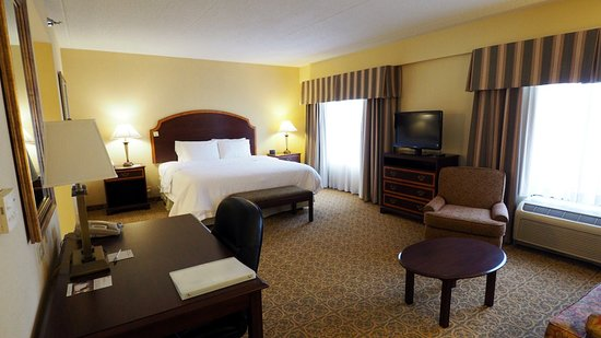 Pikeville, KY: Room 401; Bedroom
