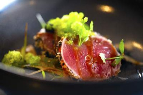 Lutterworth, UK: Seared tuna, soy&ginger, white radish & prawn toast