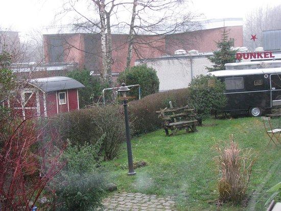 das zimmer bild von das kleine schwarze hamburg. Black Bedroom Furniture Sets. Home Design Ideas
