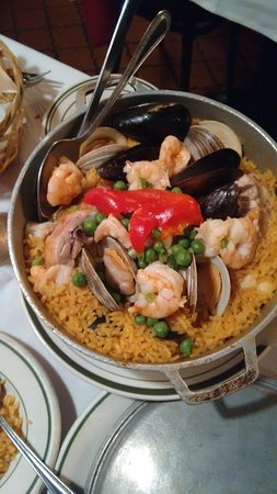 Sevilla Restaurant & Bar: Paella a la Valenciana