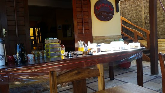 Pousada Sahara: Mesa do café da manhã da pousada