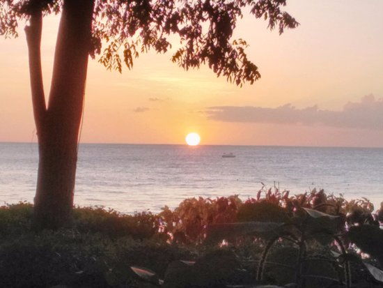Sandy Lane Hotel: Sunset every evening as seen from our room