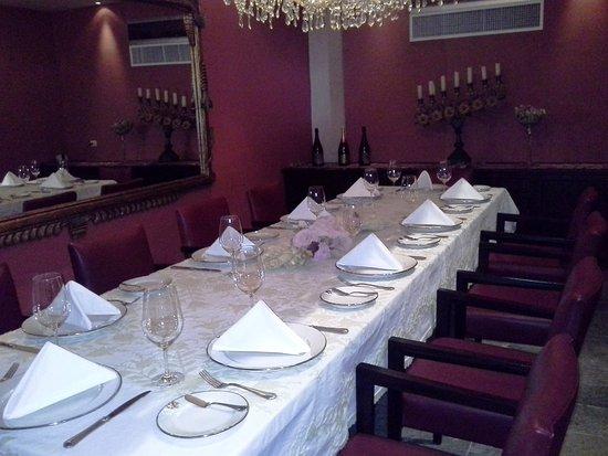 Sol y Luna - Relais & Chateaux: wine cellar dinner