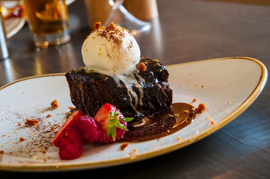 Dolphinholme, UK: Chocolate brownie with vanilla ice cream