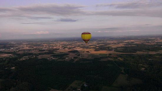 Onzain, Frankrig: On suit la 1ère montgolfiere