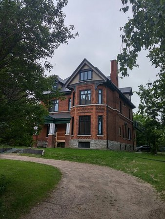 Pembroke, Canadá: Historic Homes and school