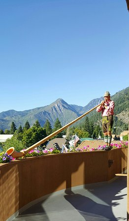 Enzian Inn: The Alpine horn blower is only one of the many great things about this hotel..