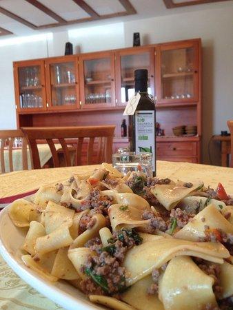 Magione, Italia: pappardelle al ragù di chianina