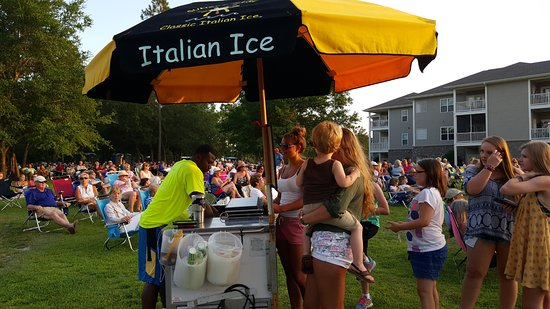 Ocean Isle Beach, NC: Sunset Slush Classic Italian Ice Cart
