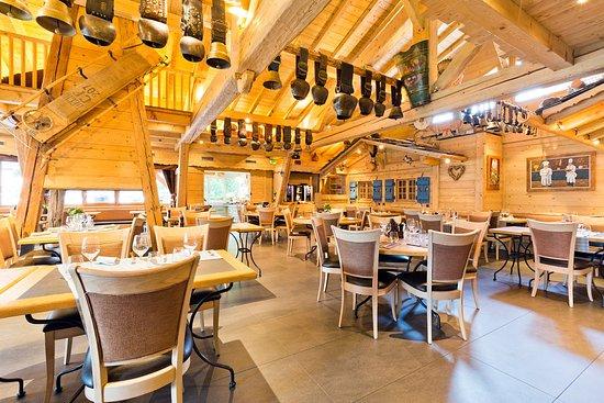 Salle de restaurant picture of les gentianettes la chapelle d 39 abondance tripadvisor - Restaurant porte de la chapelle ...