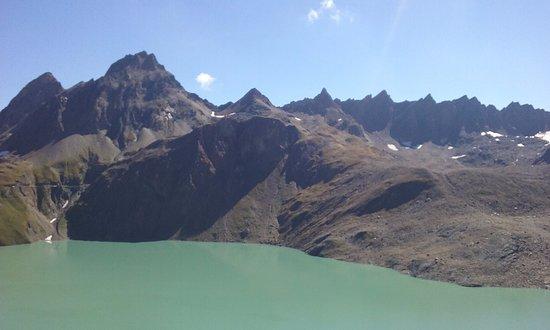 Formazza, Italien: lago dei Sabbioni e pinta del Gries