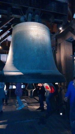 Domkerk en Domtoren: The largest bell