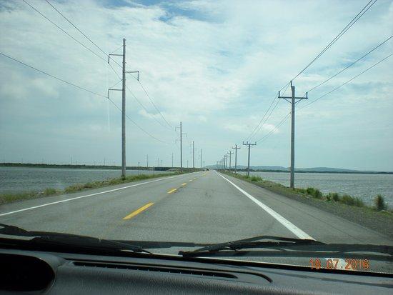 Ile du Cap aux Meules, Canada: sur la partie plus mince de l'ïle, entre deux mers