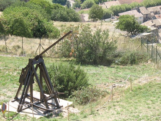 Mornas, Francja: catapulte