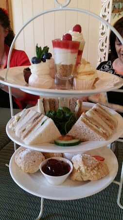 Rotherham, UK: Excellent value for money afternoon tea 5****